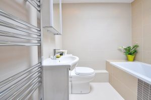 4 Bathroom Renovation Tips to Conserve Water